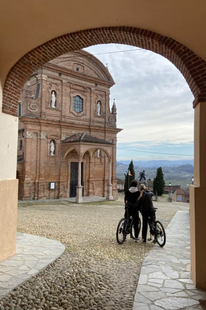 Ebike tour couple before church