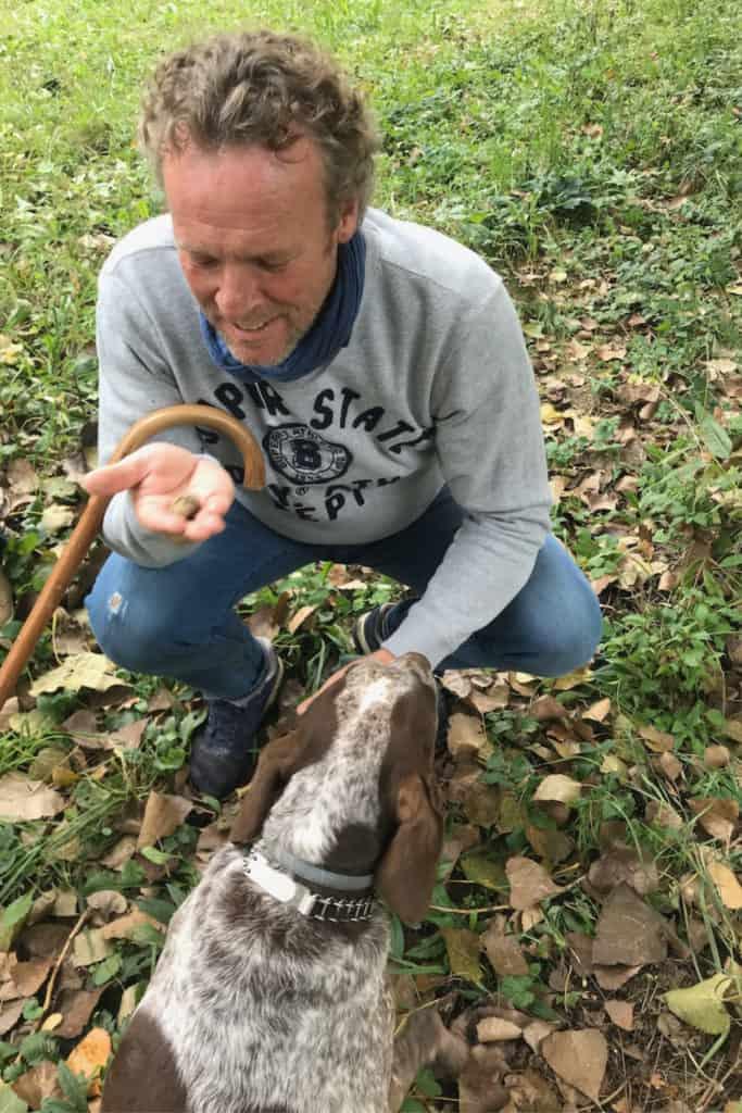 Divino Piemonte Truffel hunting in woods